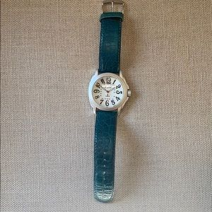 Classic Watch! Pearl Unisex Watch with faux croc